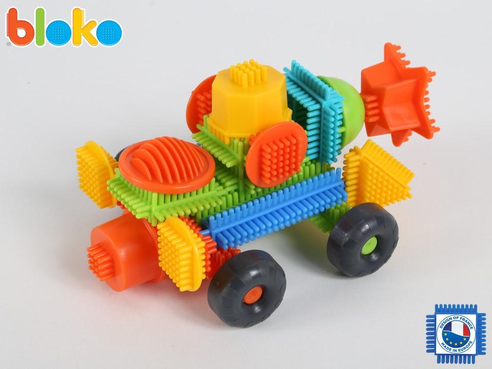 Réalisez cette voiture en Bloko !