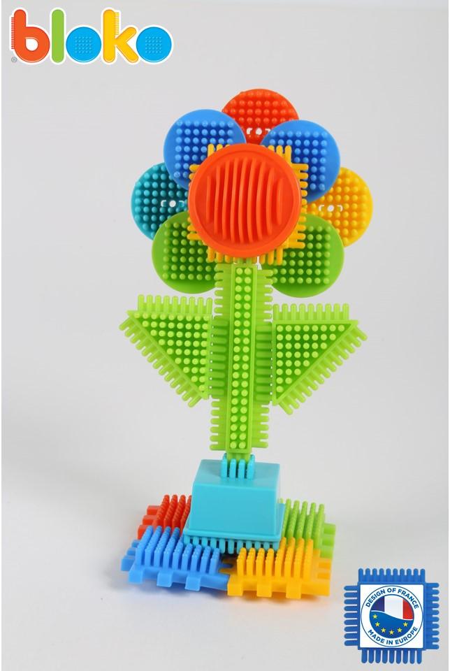 Réalisez cette fleur en Bloko !